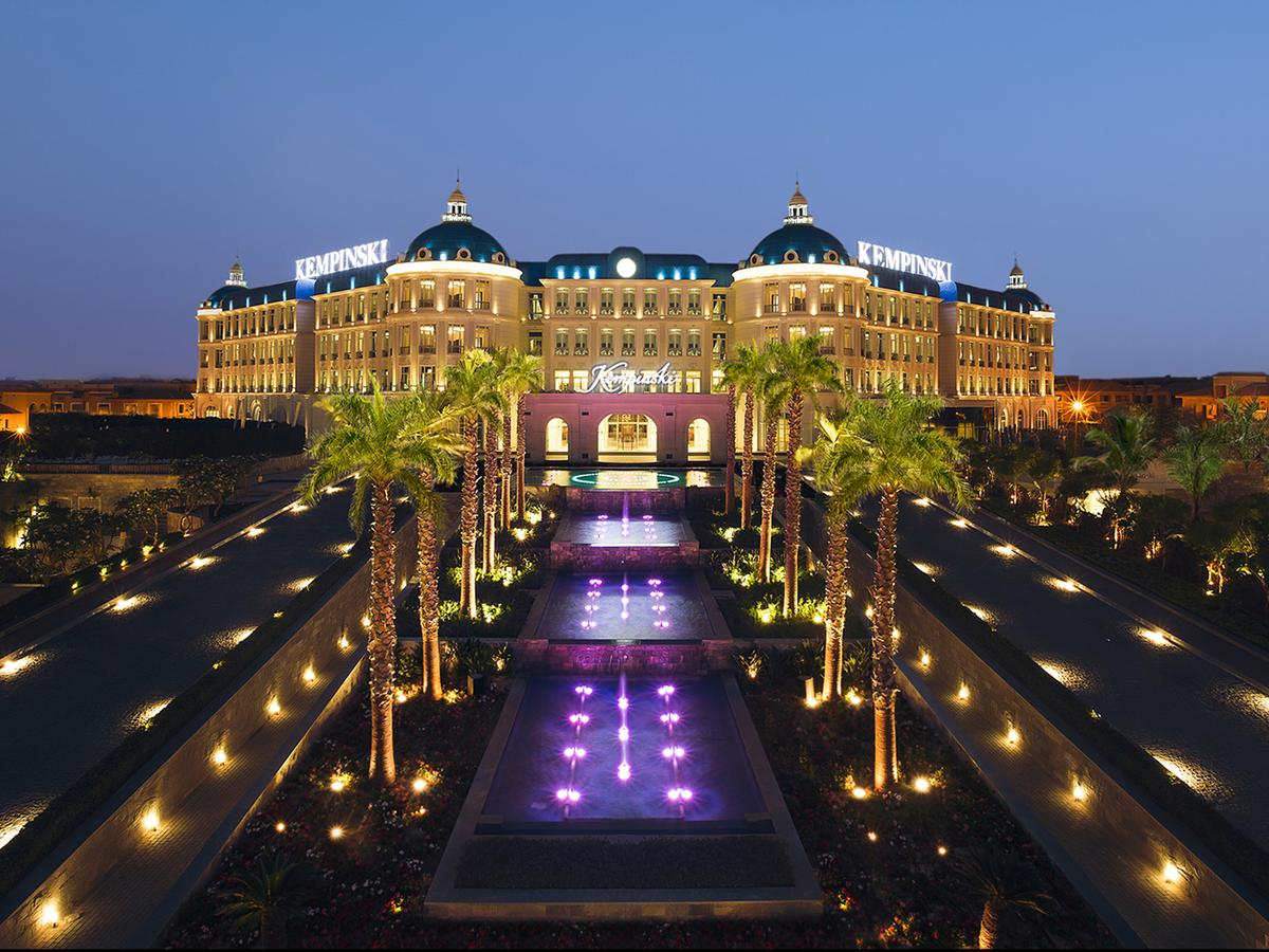 Day-use @ Royal Maxim Palace Kempinski